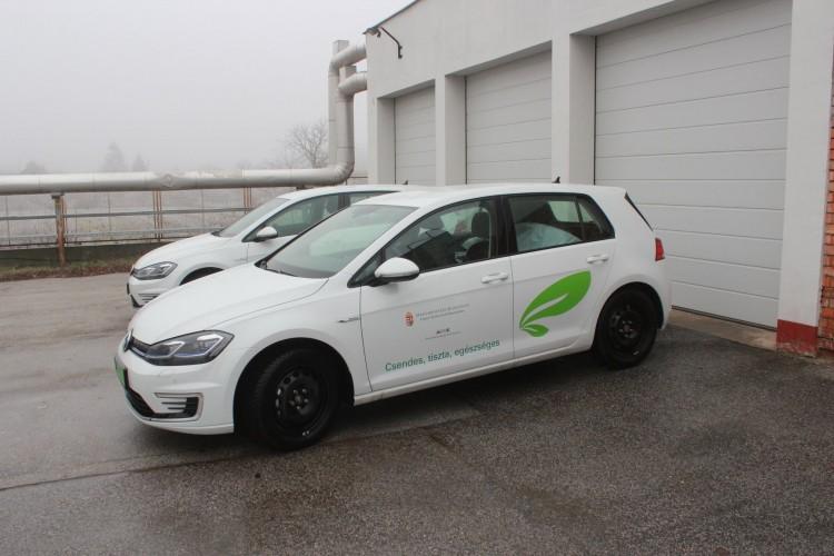 Elektromos autókat kapott a kisvárdai kórház