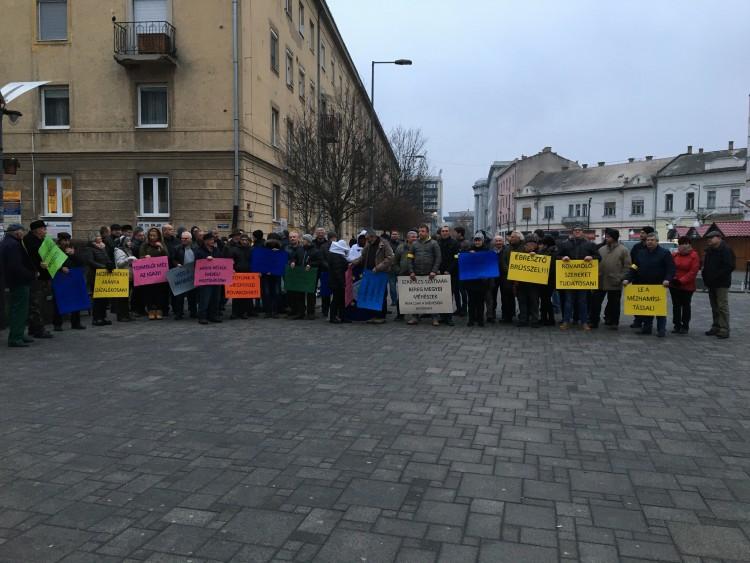 Békés demonstráció Nyíregyháza belvárosában