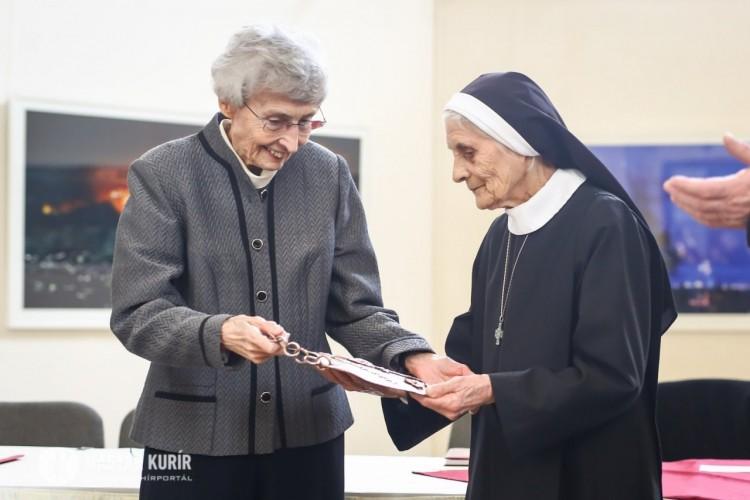 Pajzsot kapott a hajdúdorogi születésű szerzetes nővér