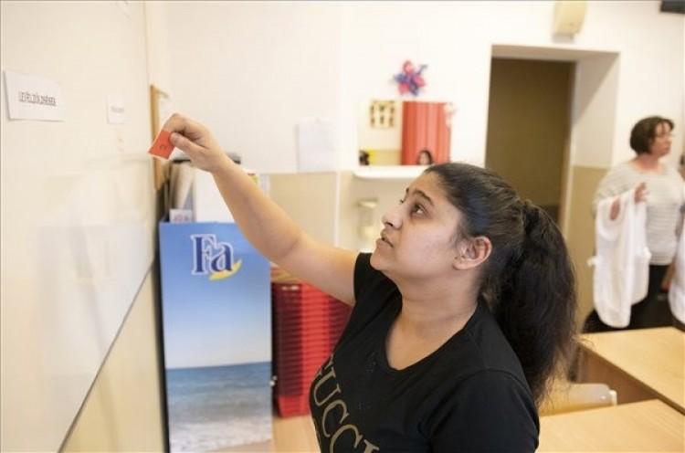 Roma lányok tanulását segítik Nyíregyházán