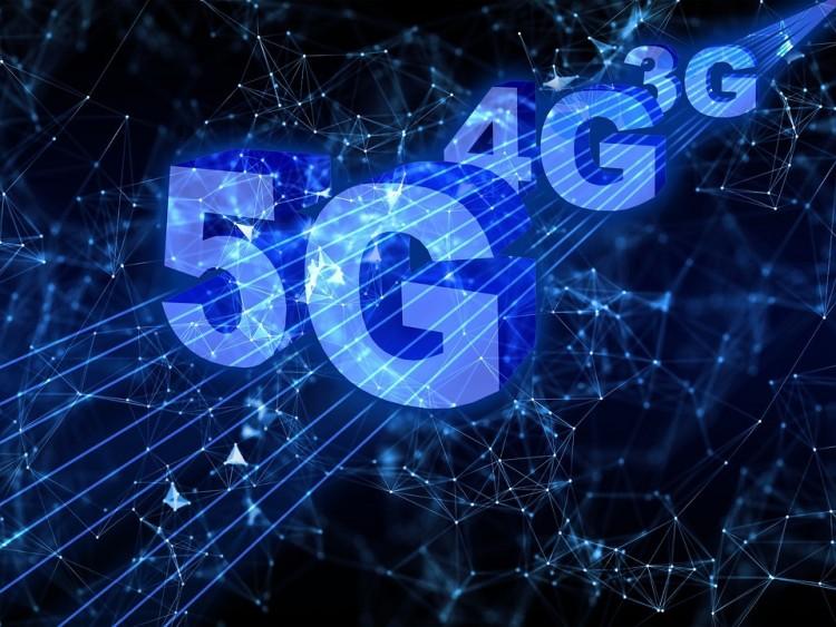 Egy évet is késhet az 5G