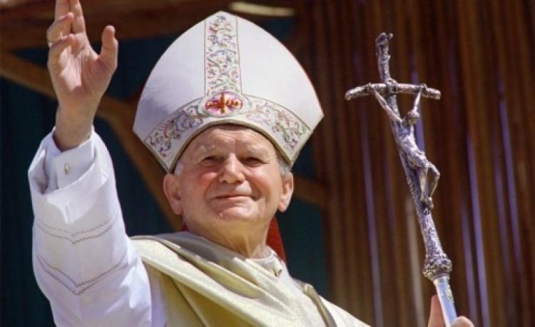 II. János Pálközbenjárását kérik, hogy véget érjen a járvány