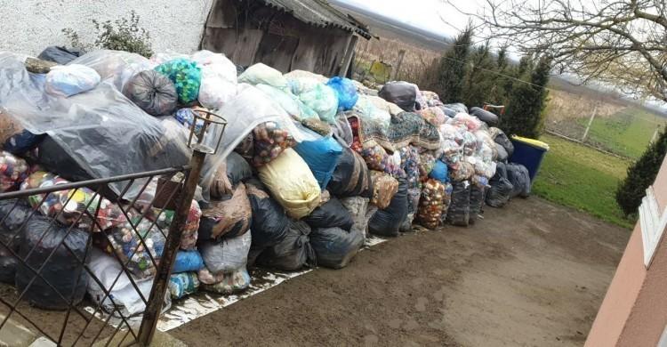 Noel kapja a Szabolcsban gyűjtött 3,5 tonna kupakot