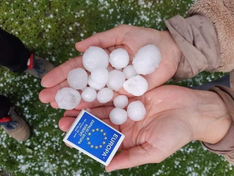 Riasztás Borsodban: heves zivatarra, jégesőre figyelmeztetnek