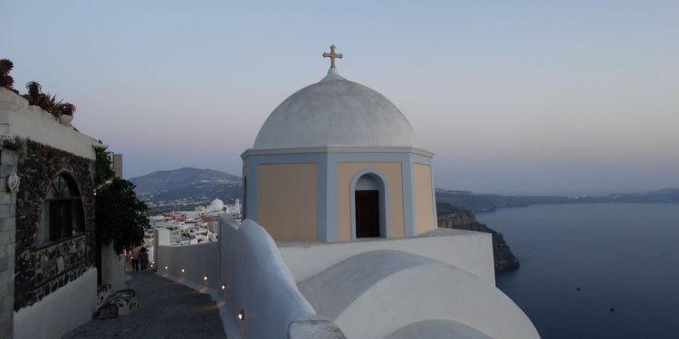 Turizmus: fokozatosan nyit Görögország
