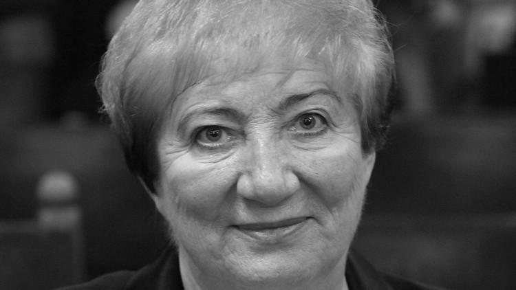 Elhunyt Kósáné Kovács Magda