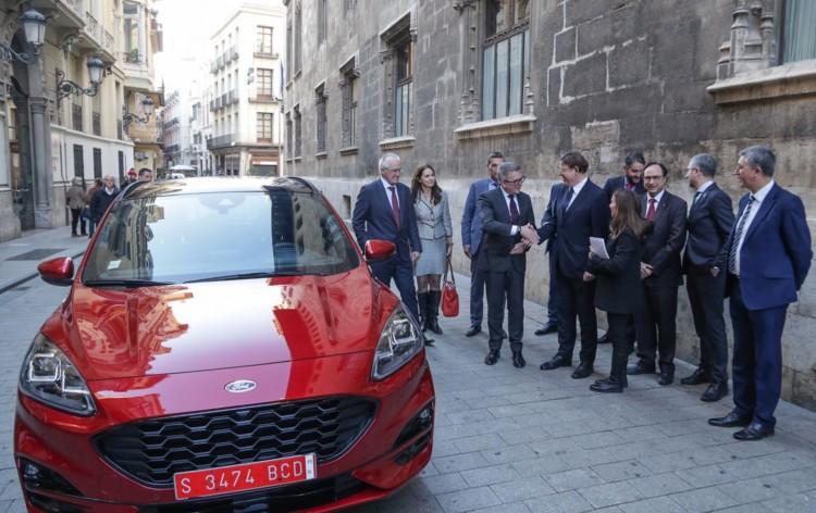Ford Kuga PHEV – üdvözlet Valenciából