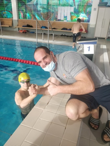 Hatalmas siker! 12 éves nyírbátori úszó megdöntötte Gyurta Dániel rekordját