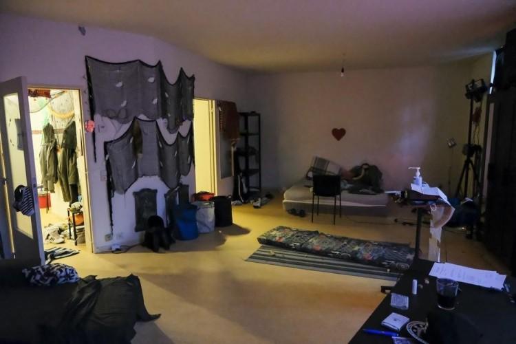Fotók a lakásról, ahol az orgián Szájer József is részt vett