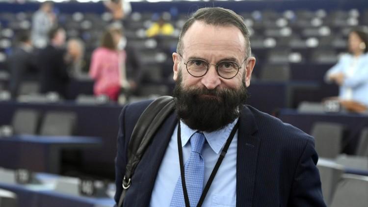 Szájer elismerte, érintett a brüsszeli szexbotrányban