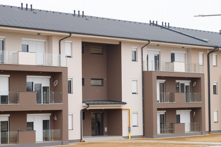 Még várnak bérlőket a nyírbátori önkormányzati lakásokba