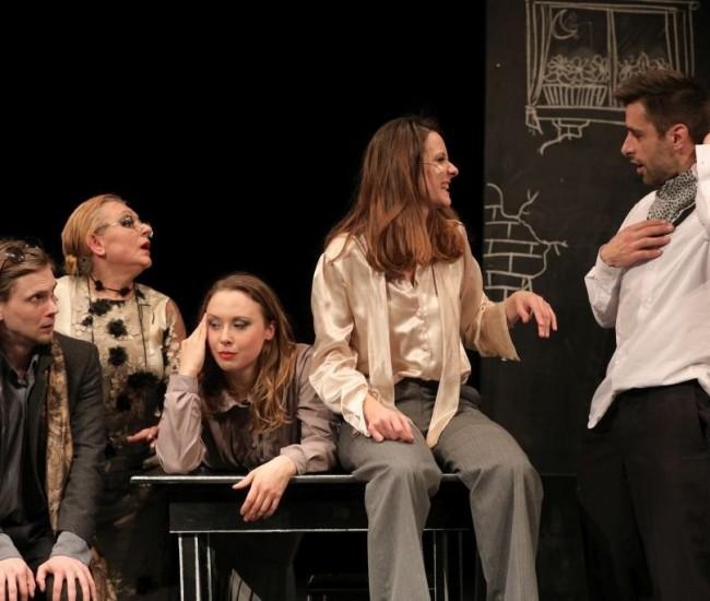 Kisvárdára várják a színházi világ javát