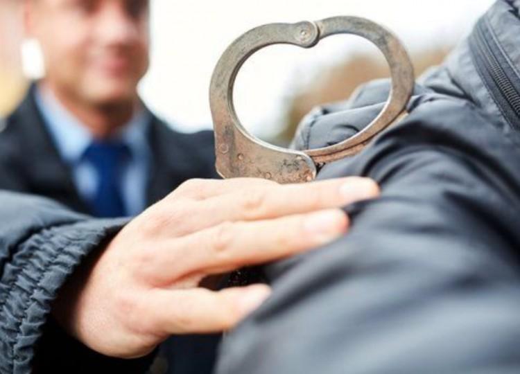 15 éves fiú fosztogatott Baktalórántházán