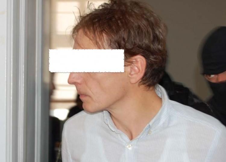 Kezdődik a gyilkos orvos büntetőpere Nyíregyházán