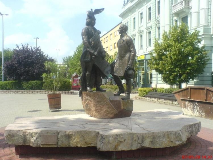 A városalapítók emléke előtt tiszteleg Nyíregyháza