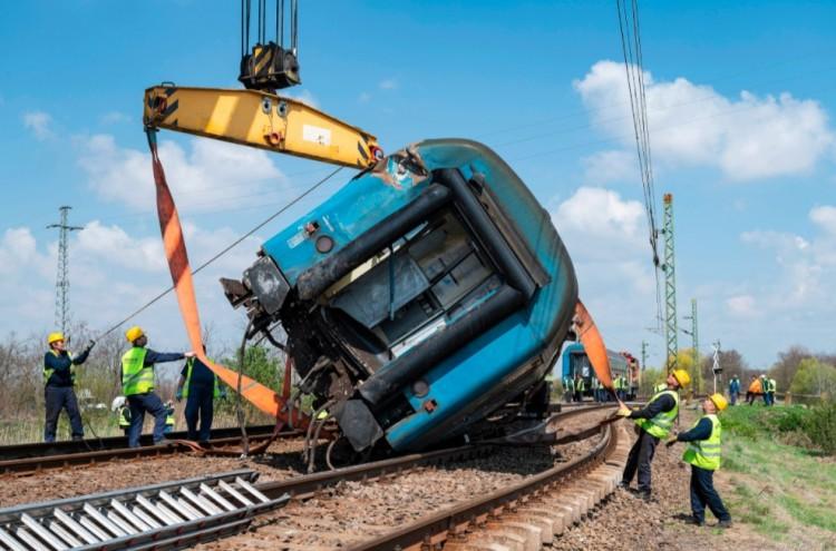 Vonatbaleset: nincs több késés a debreceni vonalon