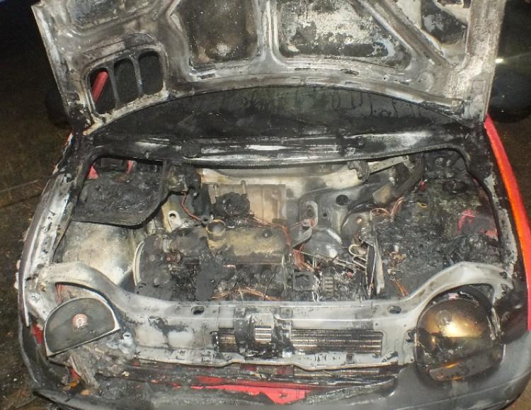 Lángolt az autó az M3-ason