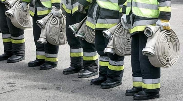 Autótűz miatt vonultak a tűzoltók Nagykállóba