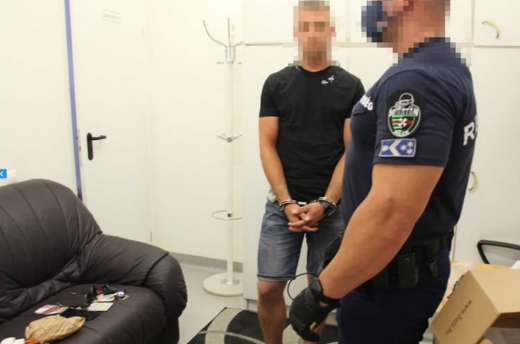 Letartóztatták a védettségi igazolvánnyal üzletelő szabolcsi orvost