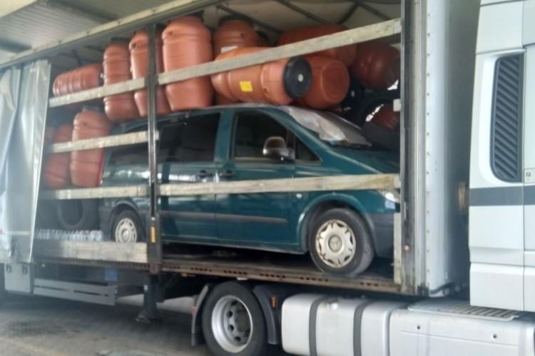 Körözött autót fogtak Csengersimánál