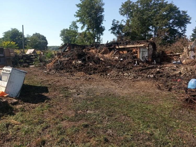 Nagymamája háza leégett, segítséget kér Nyíregyházán